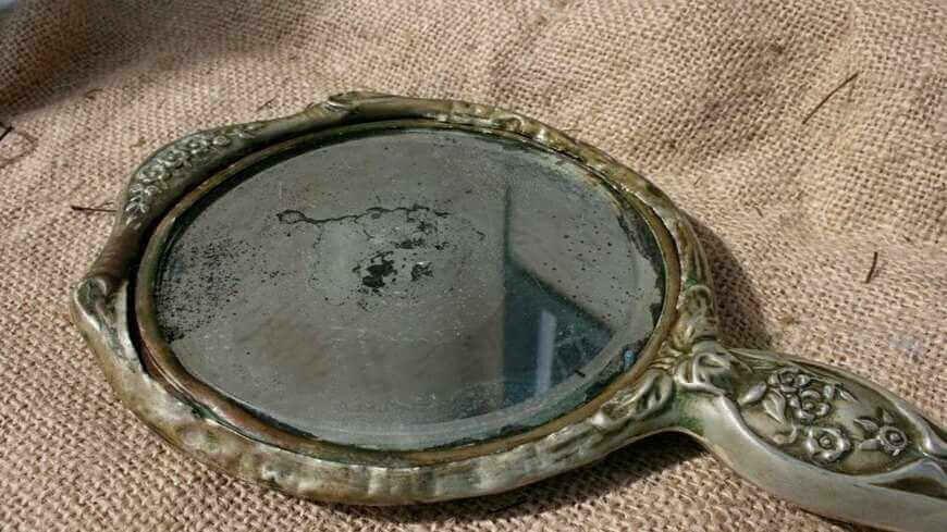 Изобретение настоящего стеклянного зеркала